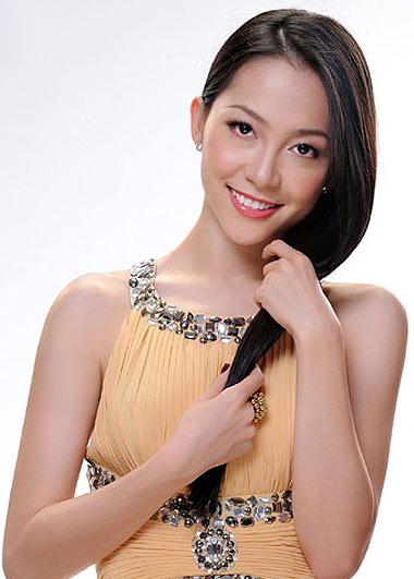Linh Nga múa mừng 'Tuần lễ thời trang Việt' đầy tự tin