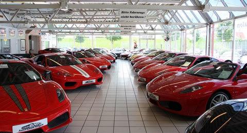 Thiên đường xe bên trong garage siêu xe ở Đức