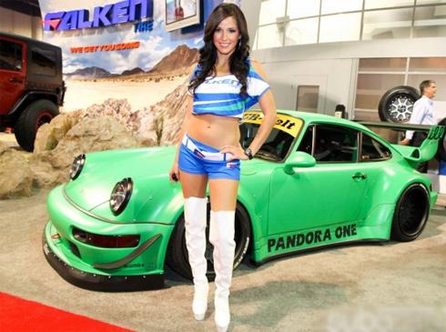 Người đẹp sexy hấp dẫn ở triển lãm ôtô