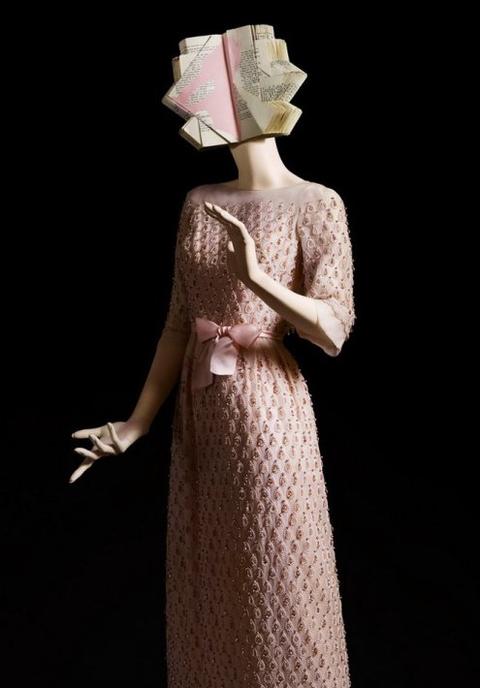 Đây là những chiếc váy mê hoặc nhất nước Anh
