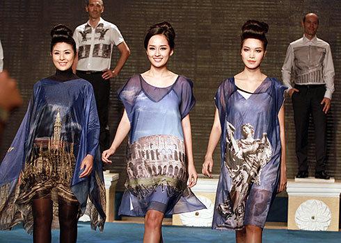 Ba Hoa hậu đọ sắc với thời trang Việt - Italy cực đẹp