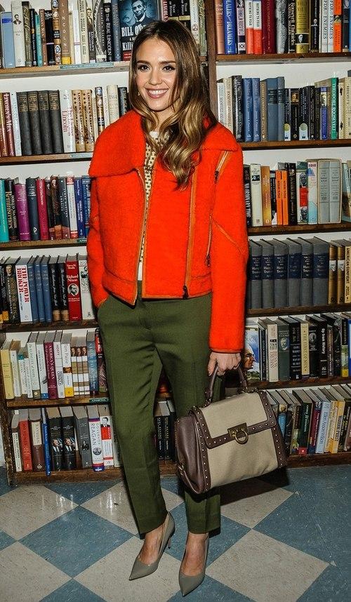 Ngôi sao thời trang tháng ba Jessica Alba