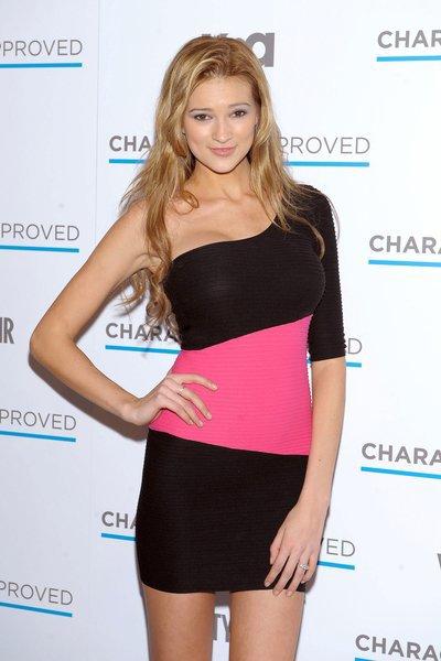 Victoria's Secret tố người mẫu Kylie Bisutti bịa chuyện