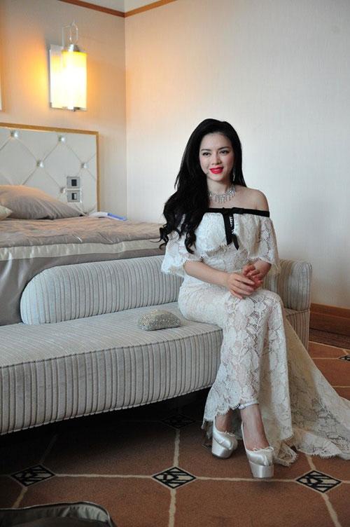 Váy hàng hiệu của Lý Nhã Kỳ tại Cannes