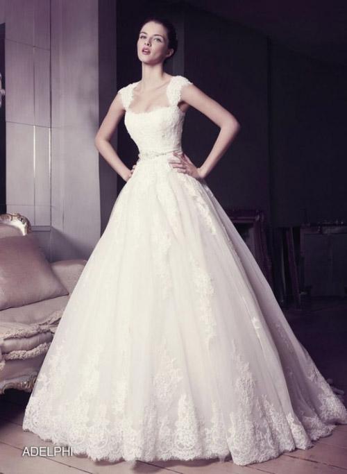 """Chọn váy cưới cho cô dâu """"mình hạc"""" quyến rũ"""