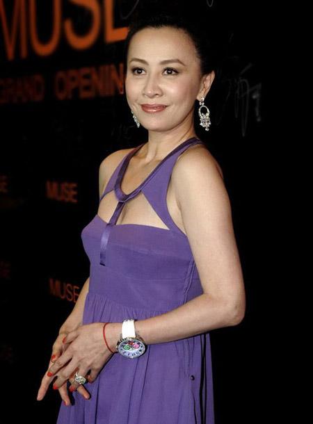 BST thời trang gợi cảm của Lưu Gia Linh