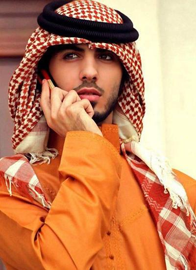 Omar Borkan đến VN diễn thời trang