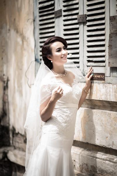 Ngọc Diễm bay bổng cùng váy cưới độc đáo