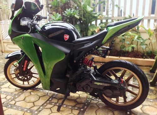 Yamaha Nouvo độ áo CBR1000RR của sinh viên Nha Trang