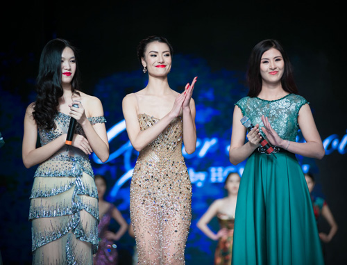Váy Couture được đấu giá chưa cao Hoàng Hải khá tiếc