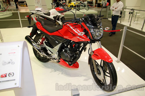Hero Etreme Sport đối thủ Yamaha Fz tại Ấn Độ