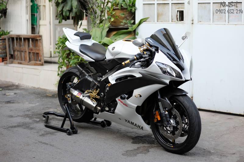 """Yamaha R6 với nhiều đồ chơi """"khủng"""" của Biker Sài Gòn"""