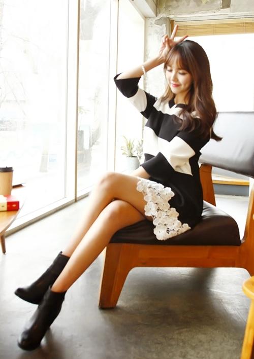 Những mẫu váy công sở trắng đen dễ mặc nhất