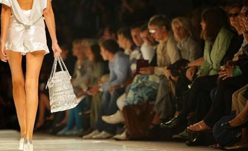 Pháp đang thông qua lệnh cấm người mẫu siêu gầy