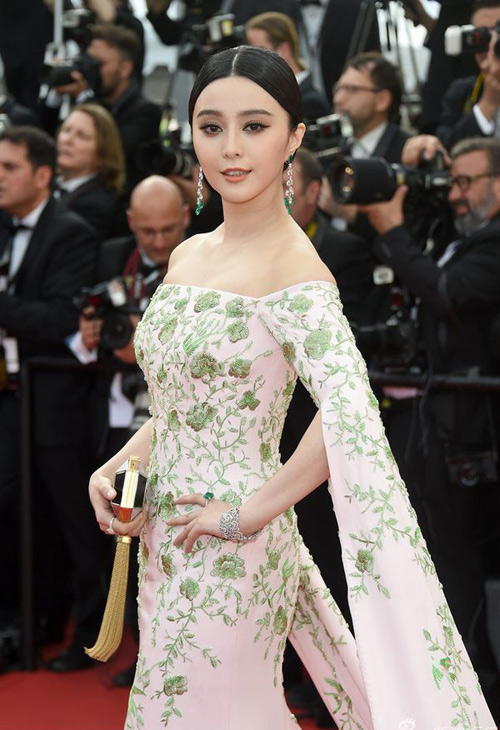 Váy của Phạm Băng Băng trị giá 3 tỷ đồng