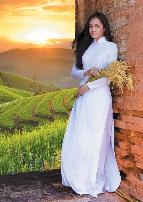Bộ sưu tập áo dài Lencii - 'Cảm xúc trái tim' tinh tế và trang nhã.