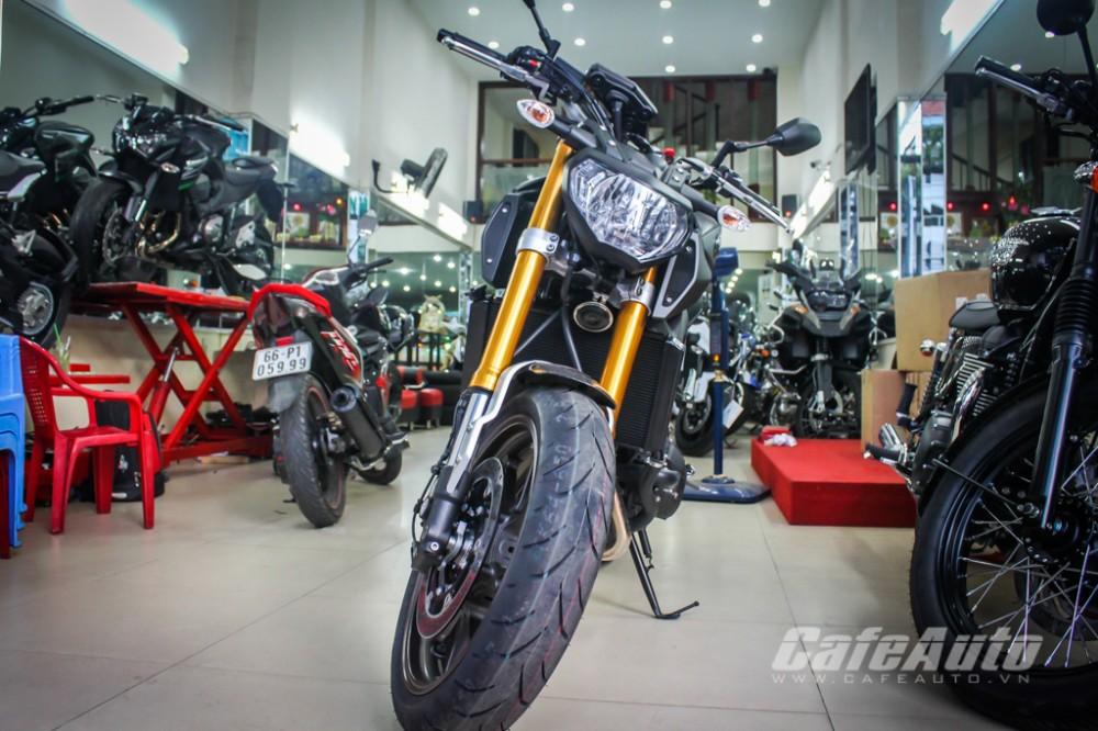 Soi cận cảnh chi tiết Yamaha MT-09 tại Sài Gòn