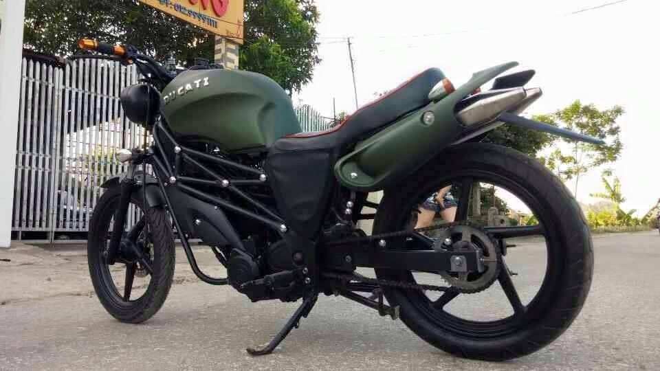 Su FX125 bị biến hình thành môtô Ducati phong cách nhà binh