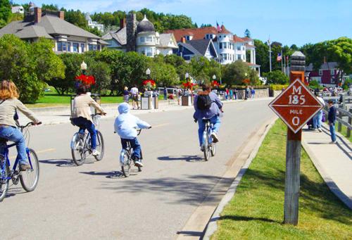 Đây là đường cao tốc chỉ dành cho xe đạp, xe ngựa ở USA