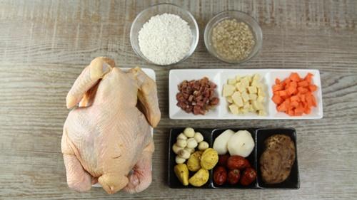 Gà nhồi thập cẩm dễ nấu mà ngon cho gia đình