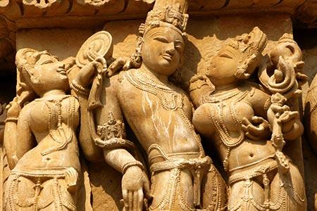 Kỳ lạ, những bức tượng 'nhạy cảm' ở đền Khajuraho, Ấn Độ