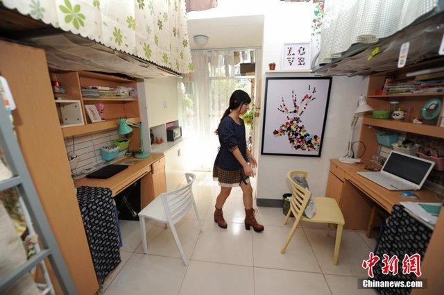 Nữ sinh tự biến phòng kí túc ẩm thấp thành căn hộ ấm áp
