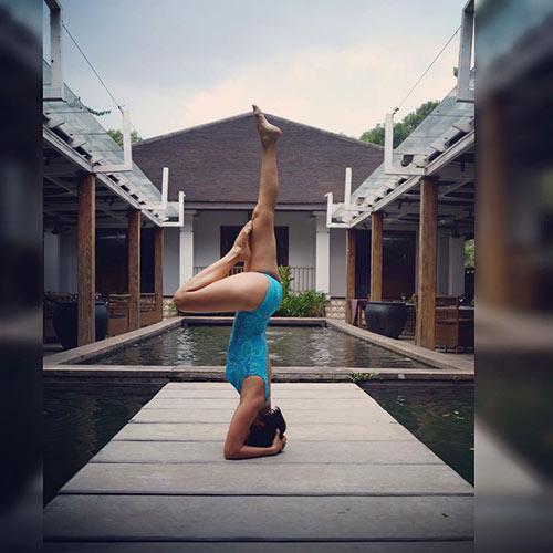Bà mẹ Sài Thành dáng siêu đẹp nhờ tập yoga