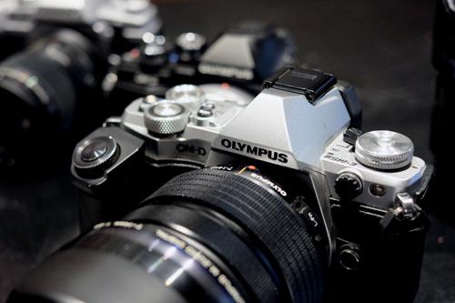 Loạt máy ảnh Olympus mới bán ở VN