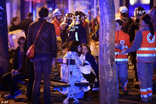 Nạn nhân vụ khủng bố Paris đối mặt khủng hoảng tâm lý