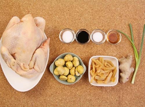 Thịt gà kho hạt dẻ, măng tre lạ miệng cho gia đình