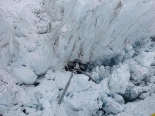 Trực thăng du lịch rơi xuống sông băng ở New Zealand