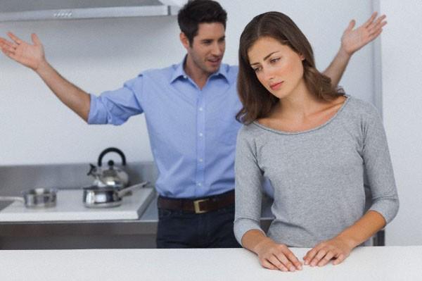 Kết cục cay đắng của người vợ tận tụy