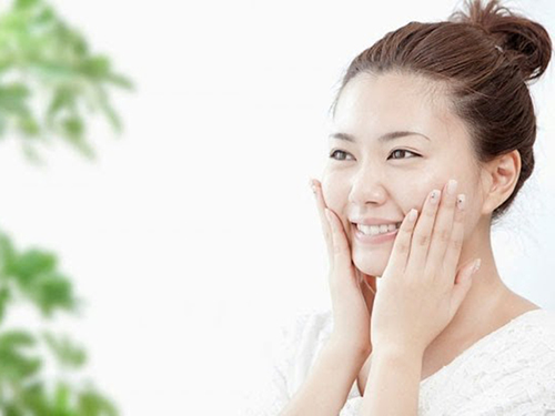 Những lời khuyên khi rửa mặt để làn da luôn mịn màng