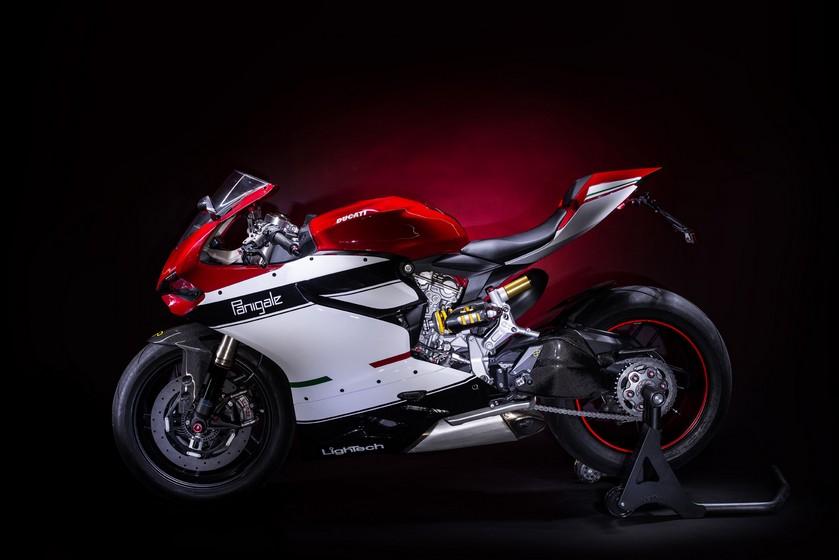 Siêu phẩm liền khối Ducati 1199 Panigale phiên bản full Lightech