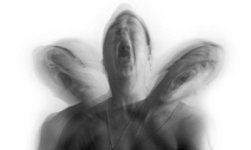 Bị ảo giác 30 năm sau một lần thử ma túy