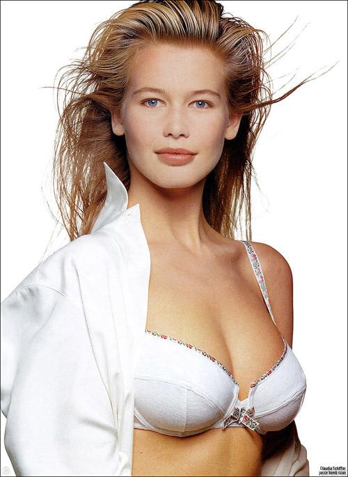 Bí quyết da mịn, tóc mượt của siêu mẫu thập niên 90