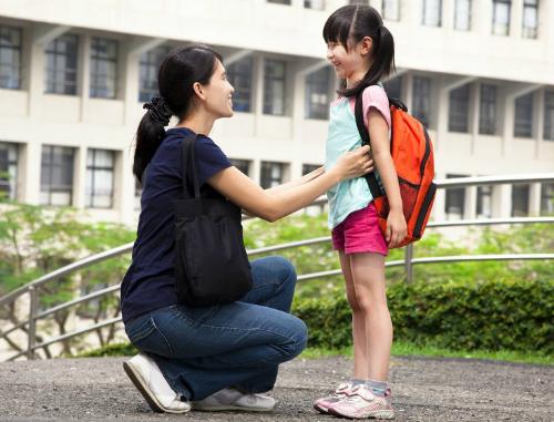 Bố mẹ vô tình dạy con trở thành người bất hạnh