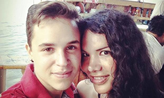 Cặp vợ chồng chuyển giới mang thai tự nhiên hạnh phúc