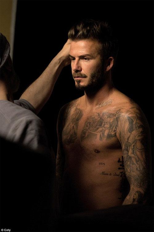 David Beckham điển trai, bán nude khi làm người mẫu