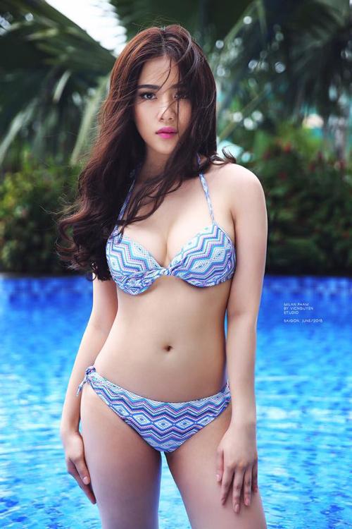 Hot girl Hà Nội hé lộ cách để có vòng 3 gợi cảm