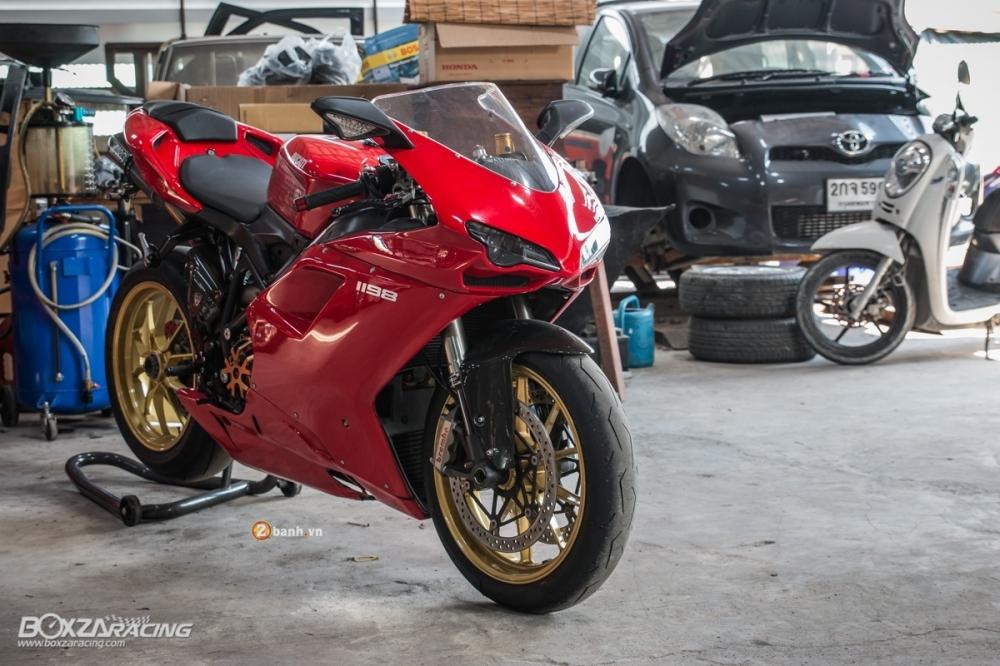 Nét đẹp đầy tinh tế của Ducati 1198 độ nhẹ tại Thái