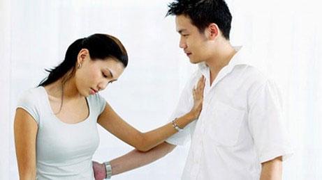 Sự thật bẽ bàng khi chồng ngoan đổ bệnh cho vợ