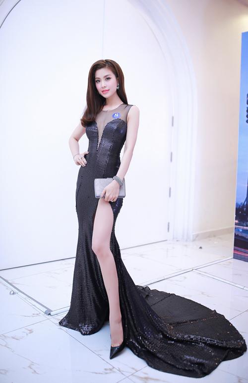 Á hậu Diễm Trang và hành trình tìm kiếm phong cách mặc đẹp