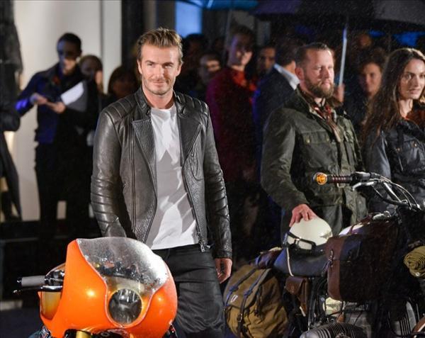 David Beckham nam tính với phong cách biker