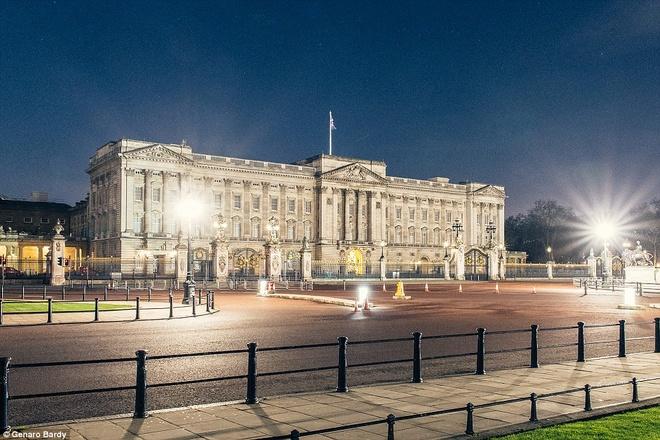 Độc đáo khoảnh khắc London không một bóng người