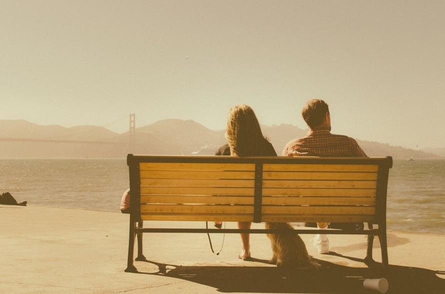 Yêu xa phải luôn quen với việc luôn phải một mình