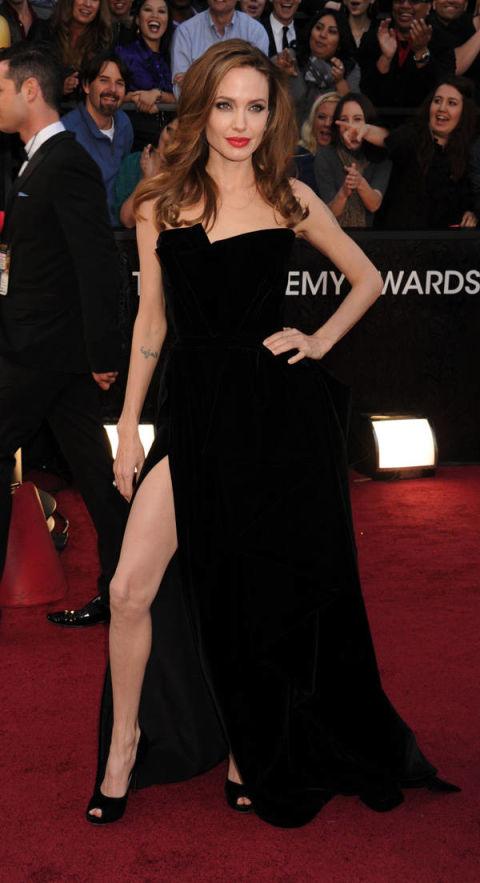 Những bộ váy thảm họa không thể quên của mỹ nhân Hollywood