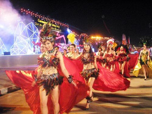 2016 Carnaval Hạ Long không tổ chức diễu hành xe mô hình