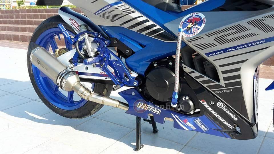 Yamaha Y15ZR độ rất tươi cùng nhiều đồ chơi