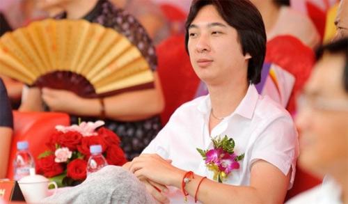 Dàn bồ siêu xinh của cậu ấm Trung Quốc